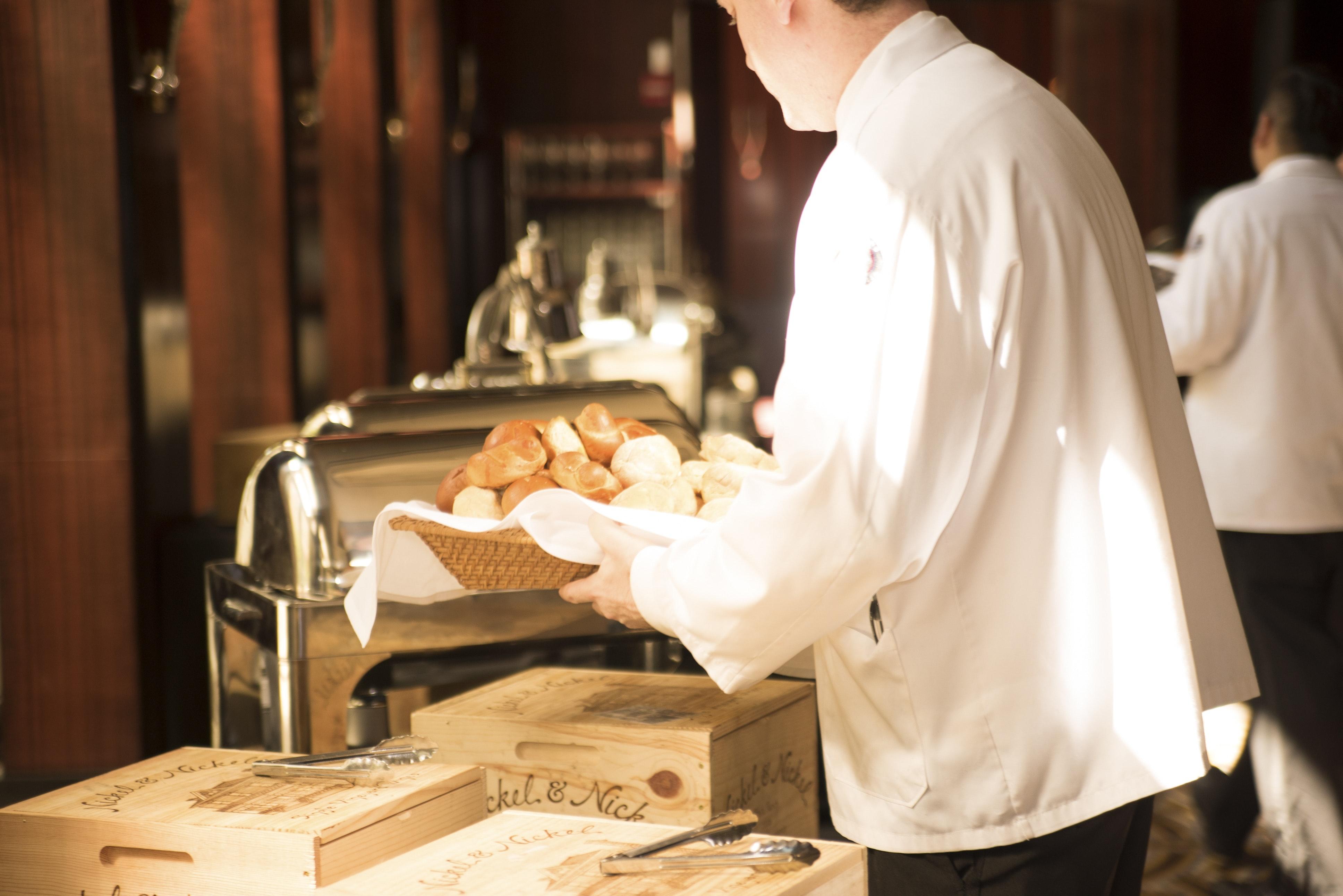 adult-bread-breakfast-280121